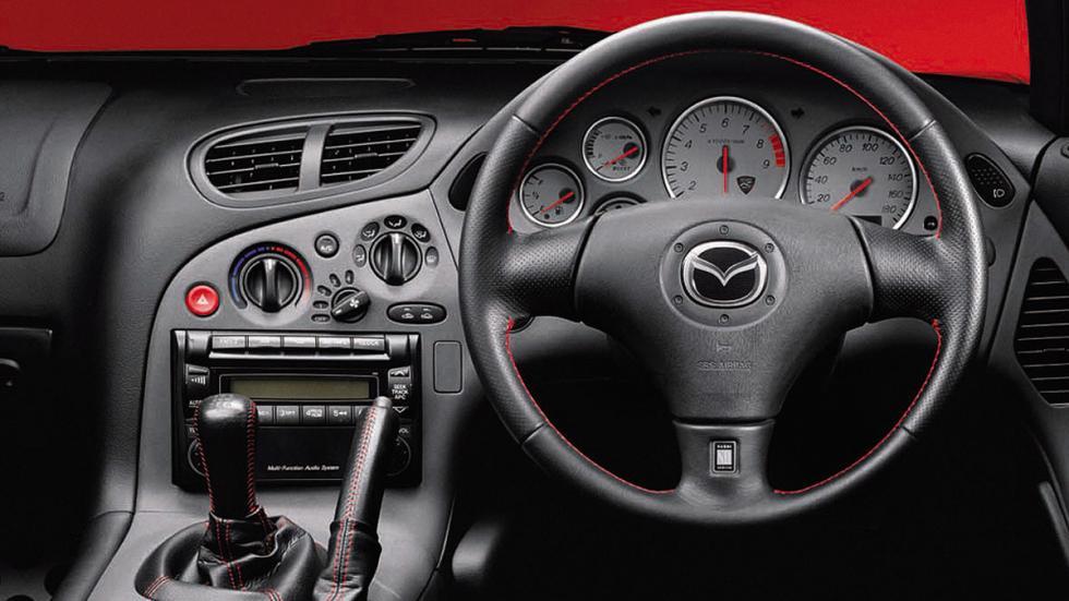 mejores-clásicos-mazda-rx-7-spirit-r-interior