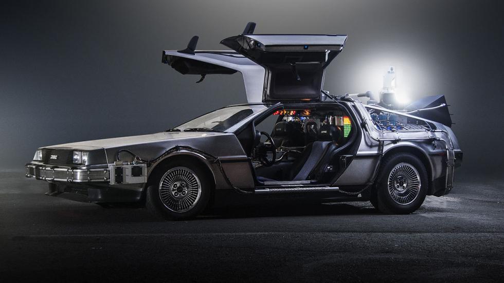 Máquina-del-tiempo-DeLorean-Regreso-Al-Futuro