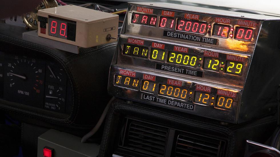 Máquina-del-tiempo-DeLorean-Regreso-Al-Futuro-circuitos-temporales