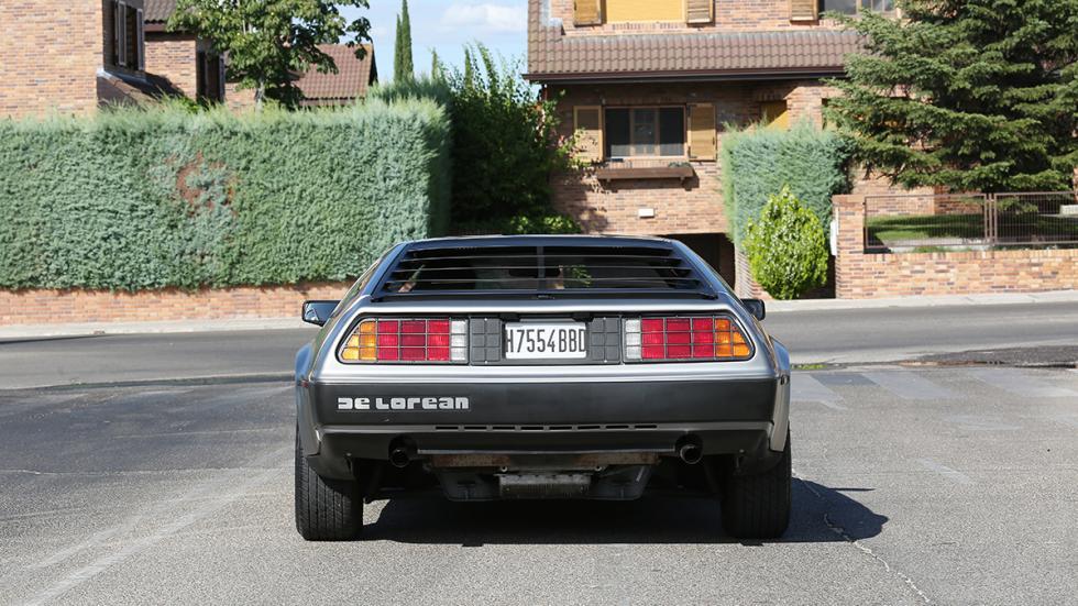 Prueba-DeLorean-DMC-12-trasera
