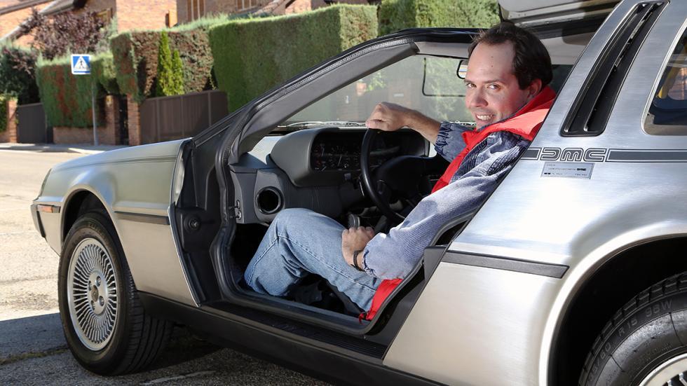Prueba-DeLorean-DMC-12-postura-conducción