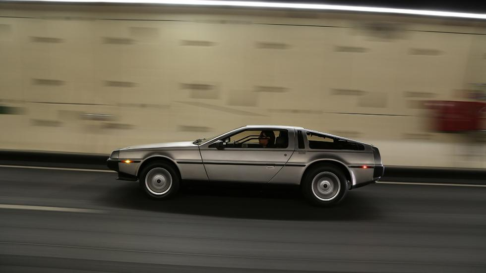 Prueba-DeLorean-DMC-12-túnel-lateral