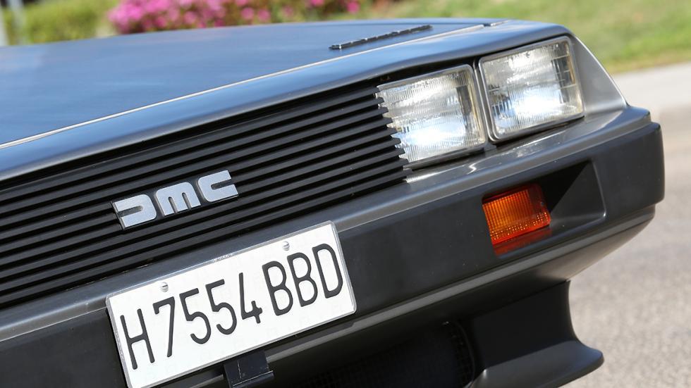 Prueba-DeLorean-DMC-12-faros