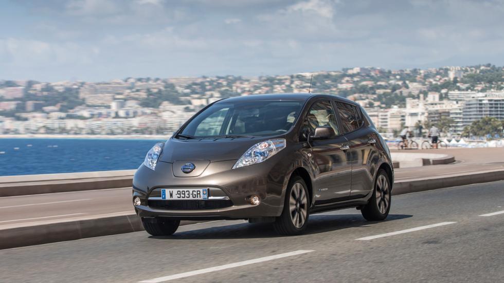 Nissan Leaf 2015 tres cuartos delanteros
