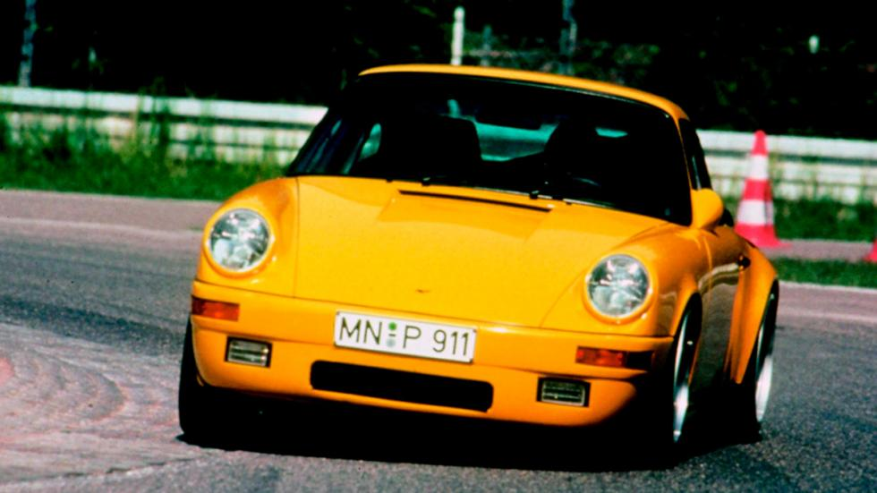 Porsche 911 Ruf CTR Yellow Bird