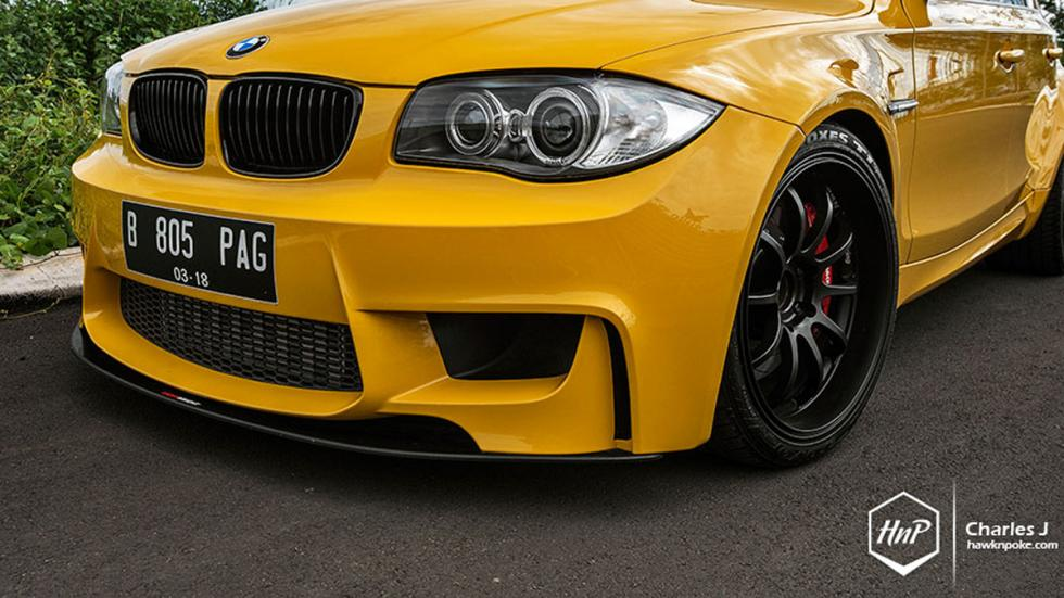 BMW 1M hatchback frontal