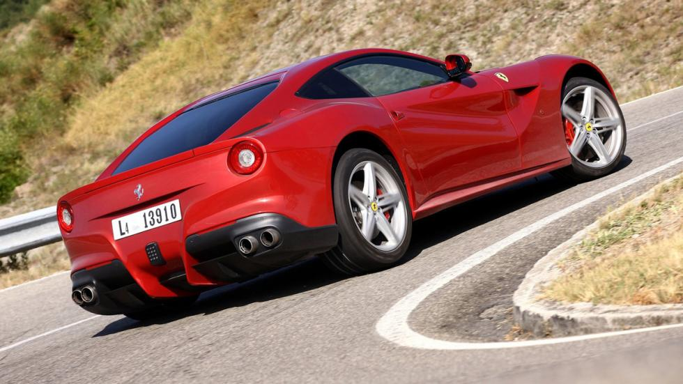 coches-motor-atmosférico-más-potente-mundo-ferrari-f12-zaga