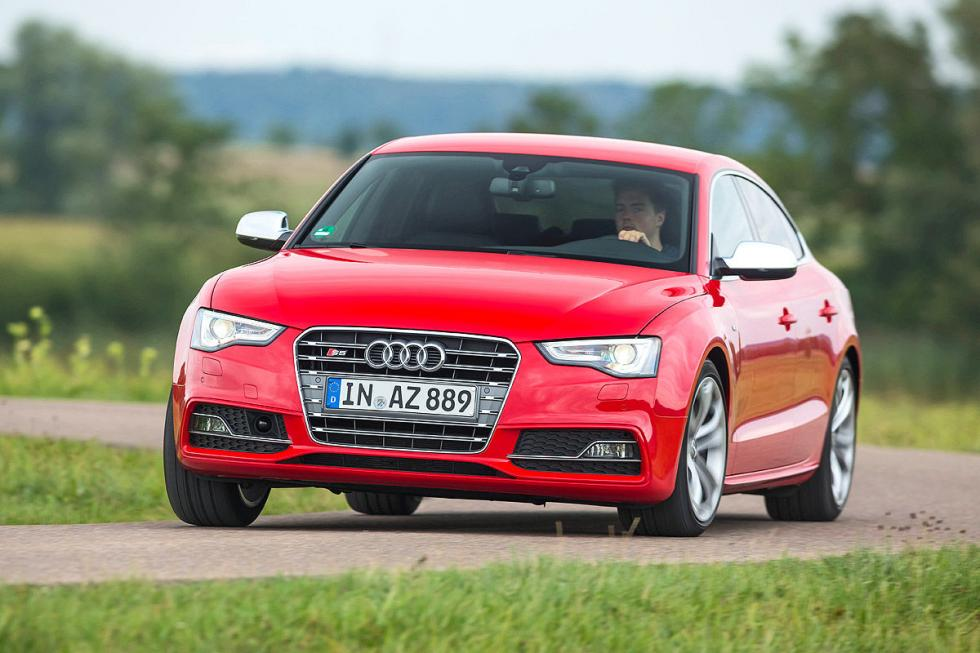 Audi S5 Sportback curva