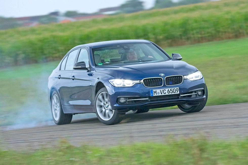 BMW 340i curva