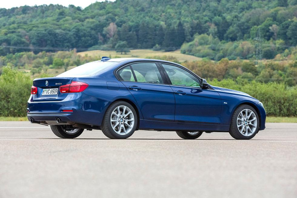 BMW 340i lateral