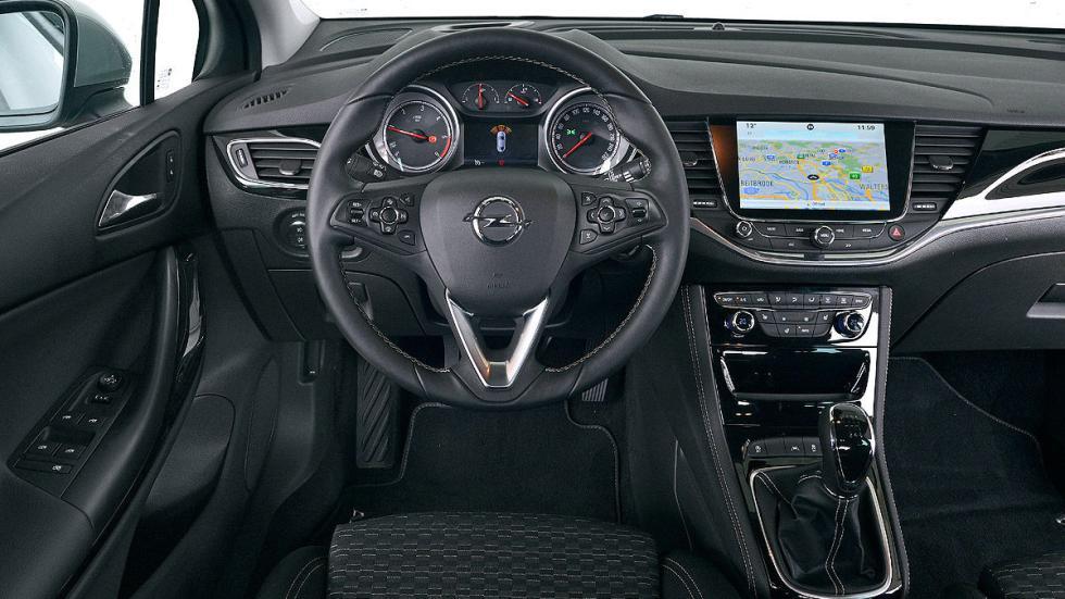Opel Astra morro interior