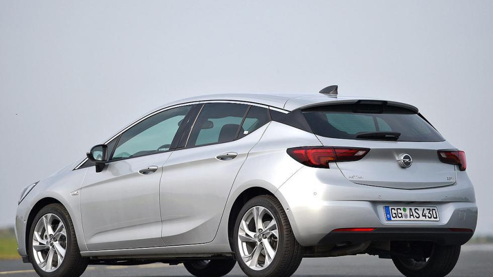 Opel Astra morro zaga