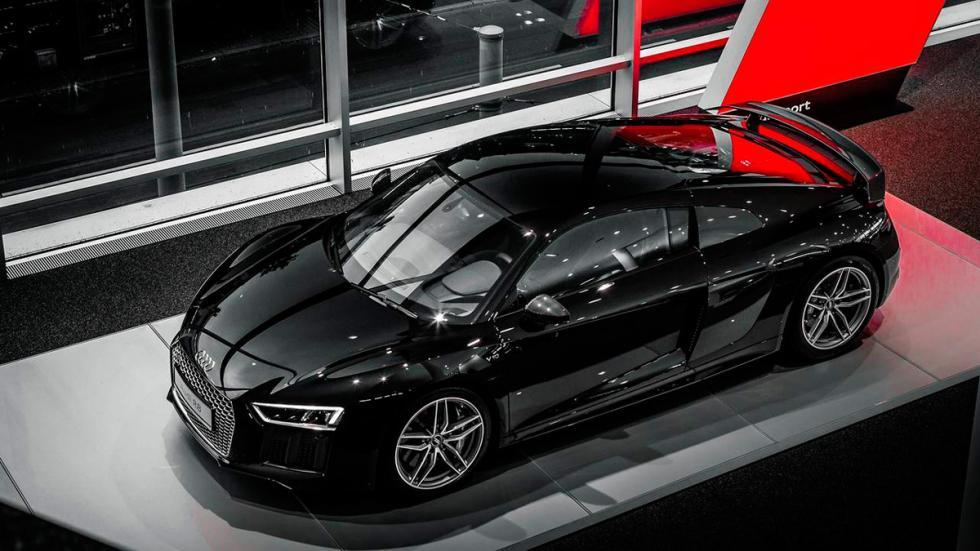 Audi R8 V10 negro aerea