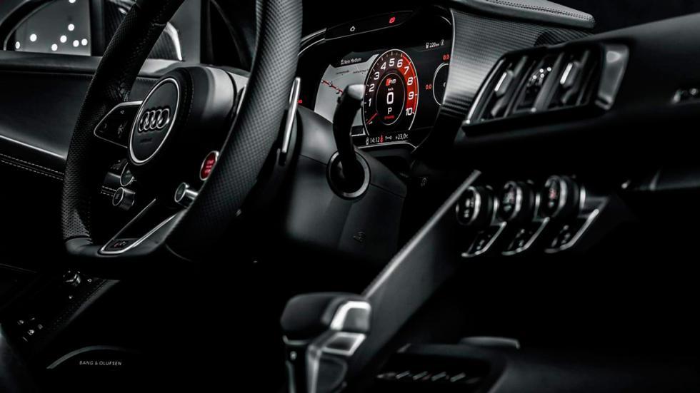 Audi R8 V10 negro interior