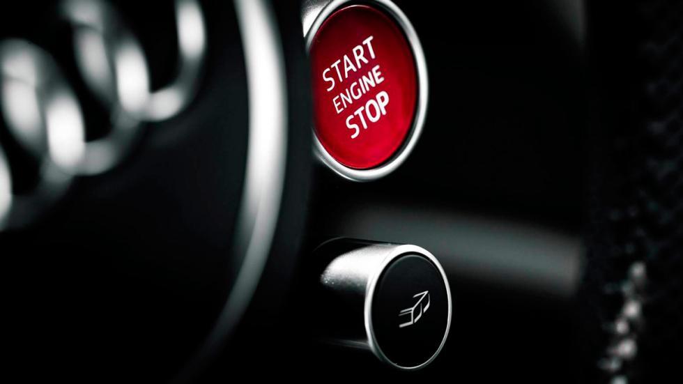 Audi R8 V10 negro boton