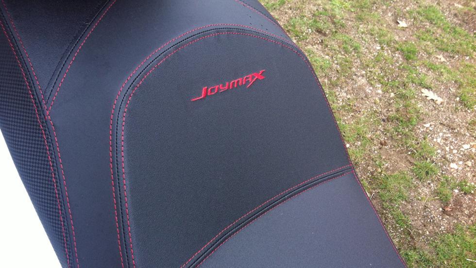 Prueba-SYM-Joymax-300-i-Sport-ABS-Start-Stop-asiento