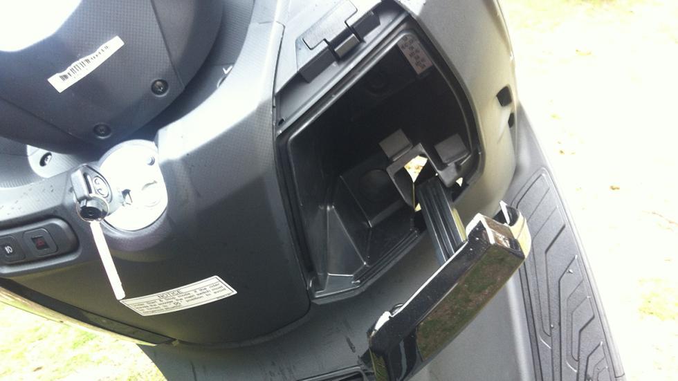 Prueba-SYM-Joymax-300-i-Sport-ABS-Start-Stop-guantera