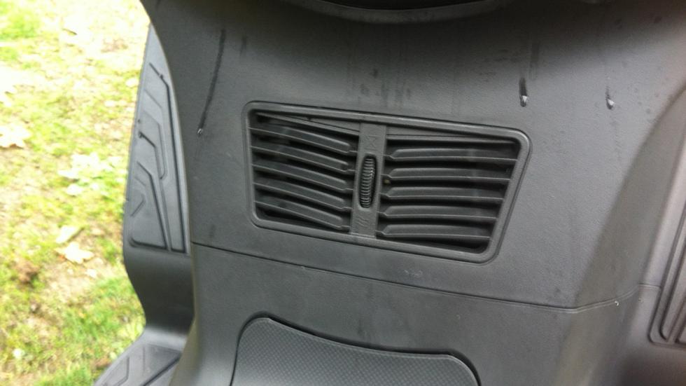 Prueba-SYM-Joymax-300-i-Sport-ABS-Start-Stop-toberas