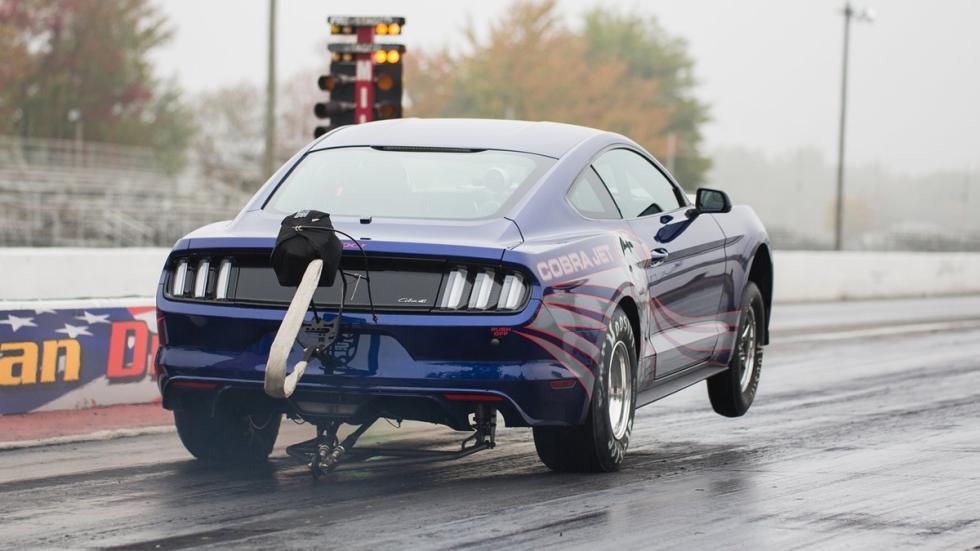 Ford-Mustang-Cobra-Jet-2016-zaga
