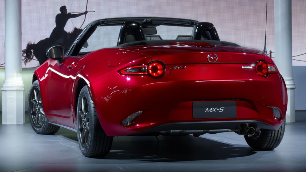 coches-divertidos-conducir-mercado-Mazda-MX5-zaga