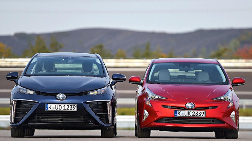 Toyota Prius 2015 y Mirai