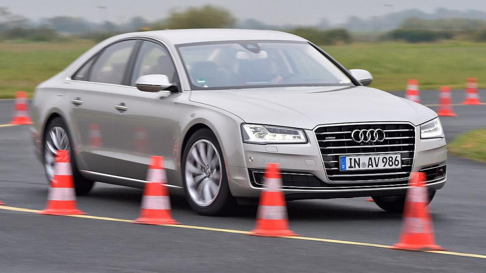Audi A8 conos