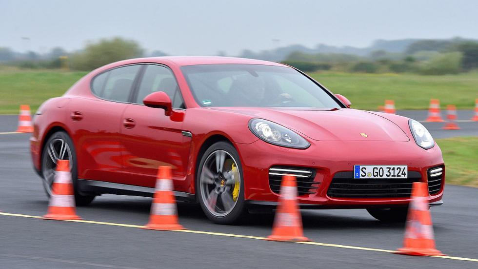 Porsche Panamera conos