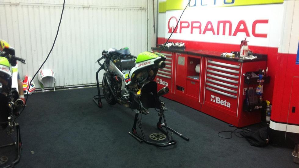 Box-MotoGP-Pramac-Cheste-GP-Valencia-2015-Motos-Ducati