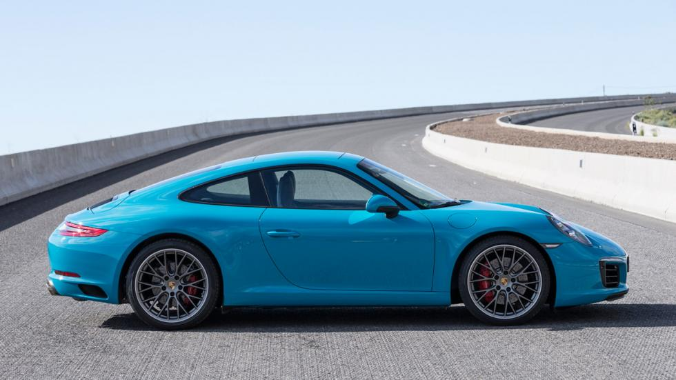 Porsche 911 Carrera S 2015 lateral