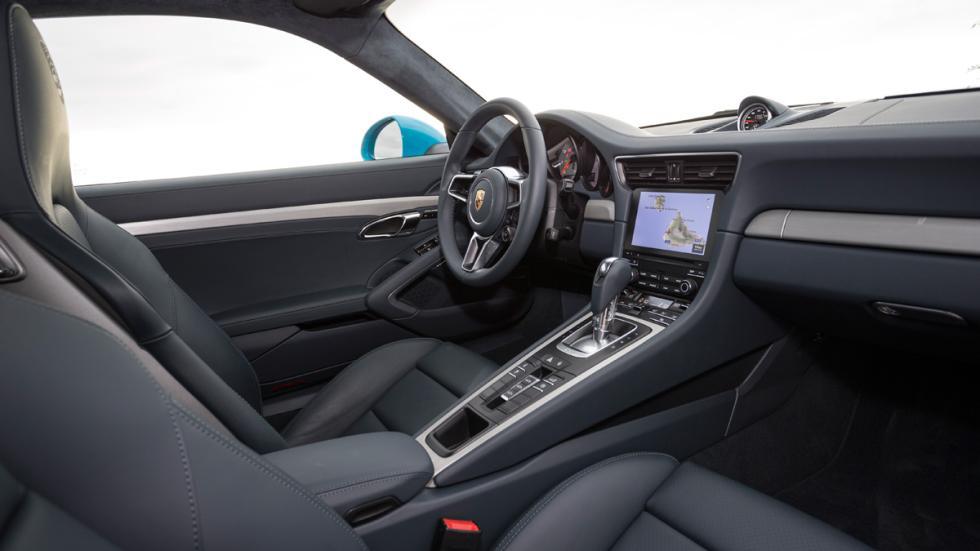 Porsche 911 Carrera S 2015 interior