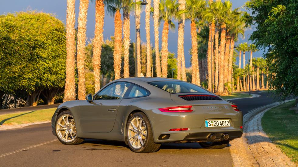 Porsche 911 Carrera 2015 trasera