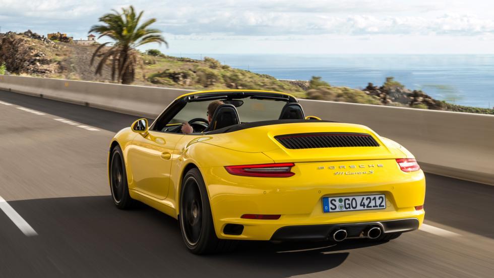 Porsche 911 Carrera S Cabrio 2015 trasera amarillo