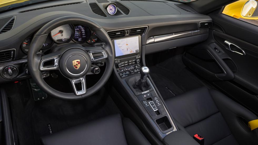Porsche 911 Carrera S Cabrio 2015 interior