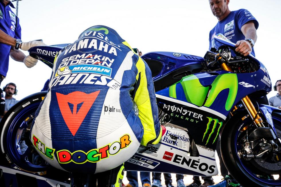 MotoGP-Test-Michelin-Cheste-2015-Rossi