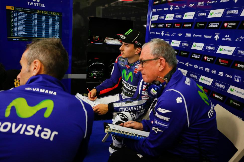 MotoGP-Test-Michelin-Cheste-2015-Lorenzo