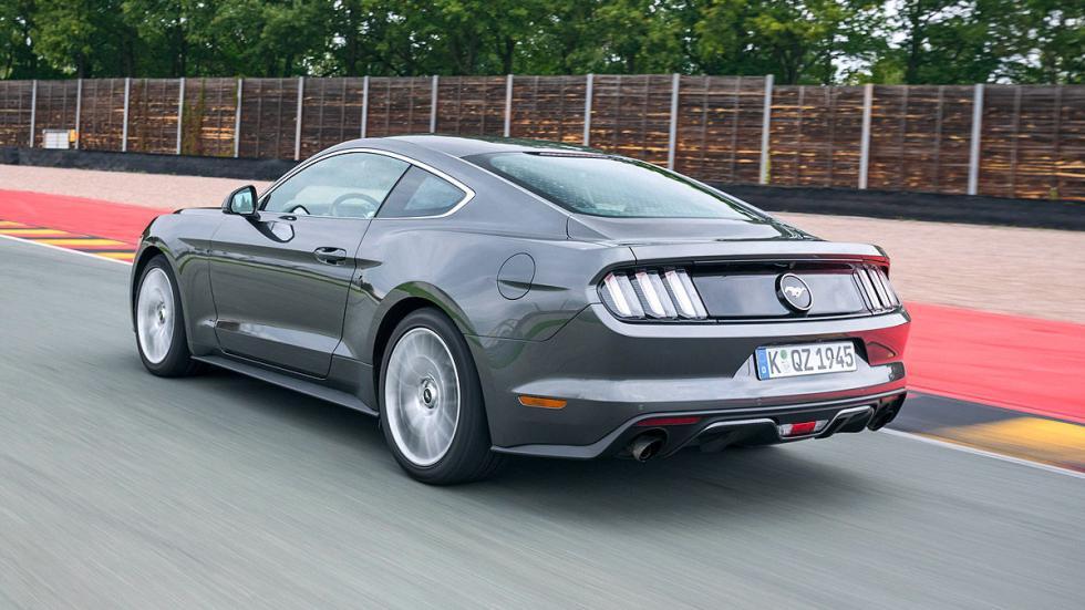 Ford Mustang detalle zaga