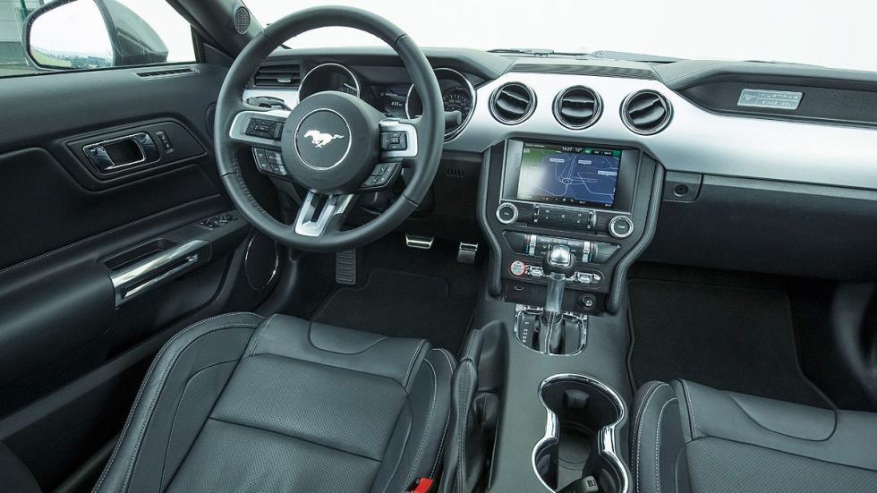 Ford Mustang detalle interior