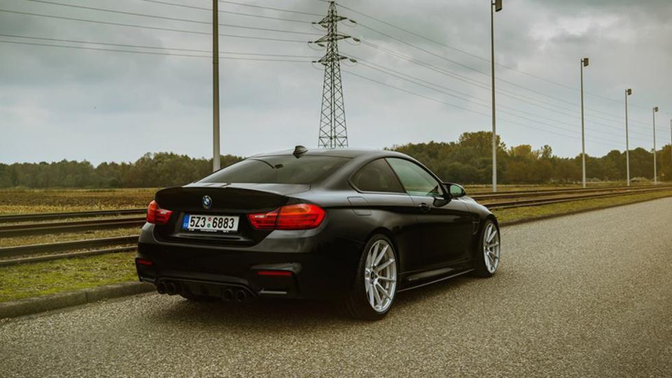 BMW-M4-Coupé-Vorsteiner-trasera