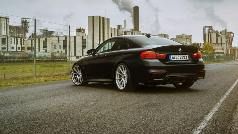 BMW-M4-Coupé-Vorsteiner-culo