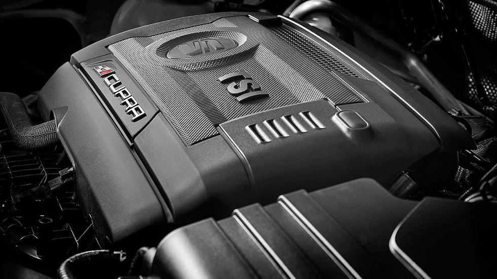 Prueba: Seat Ibiza Cupra 2015. Rabia concentrada. Morro motor