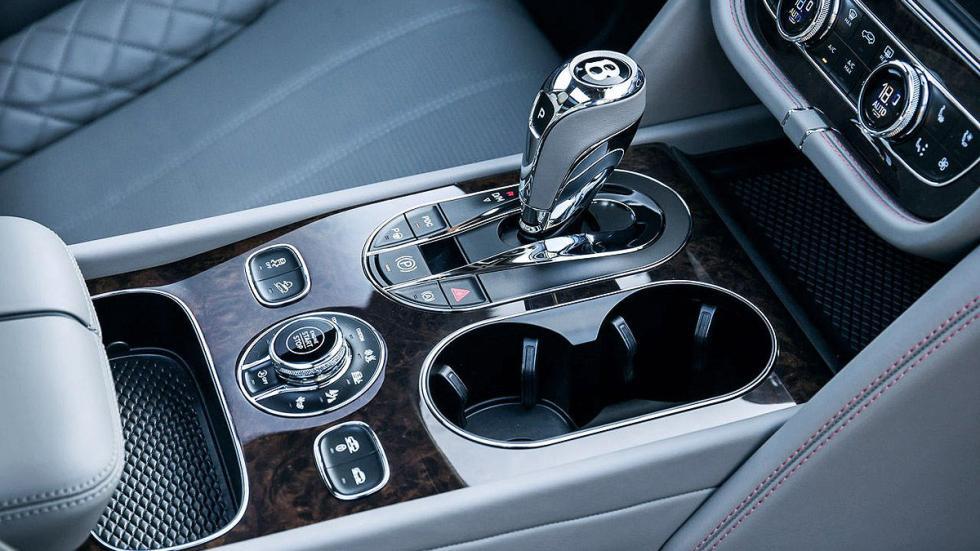 Prueba del Bentley Bentayga. Lujo x 4 interior pomo