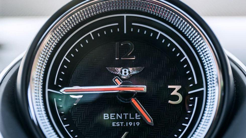 Prueba del Bentley Bentayga. Lujo x 4 reloj