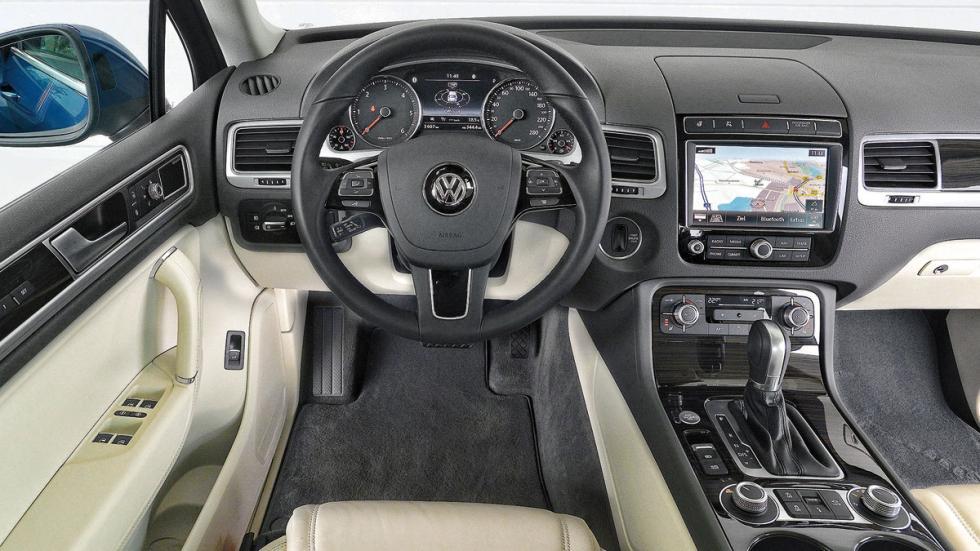 Comparativa SUV lujo Volkswagen Touareg interior