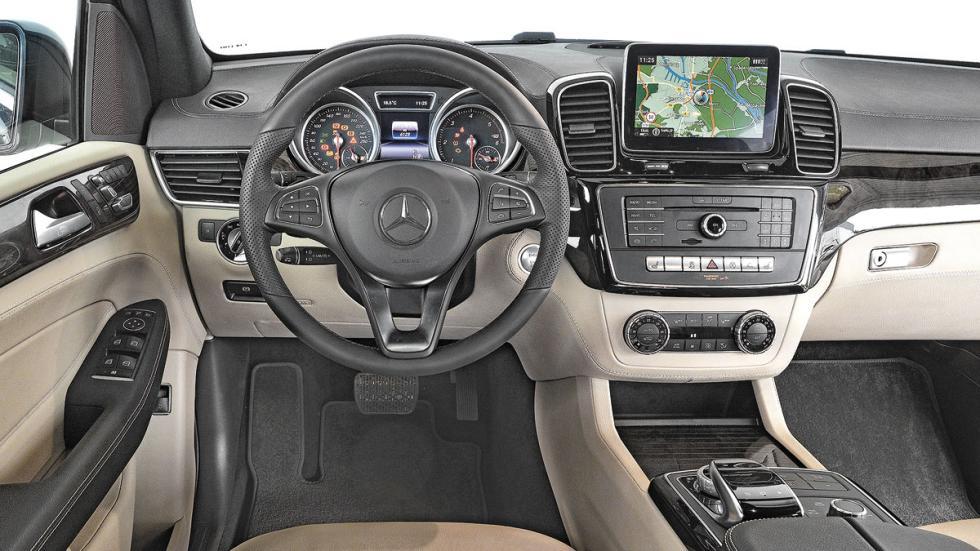 Comparativa SUV lujo Mercedes GLE interior