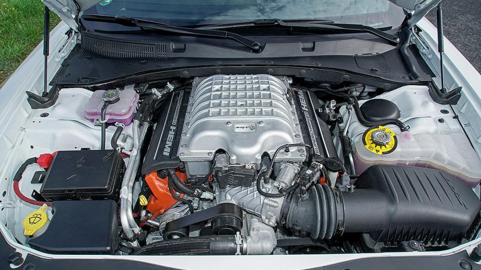 Dodge Charger Hellcat motor