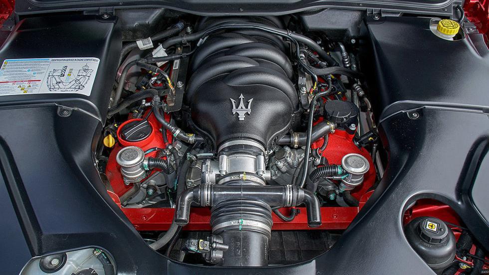Maserati Gran Turismo interior motor