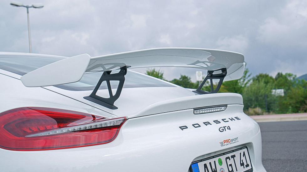 Porsche Cayman GT4 alerón