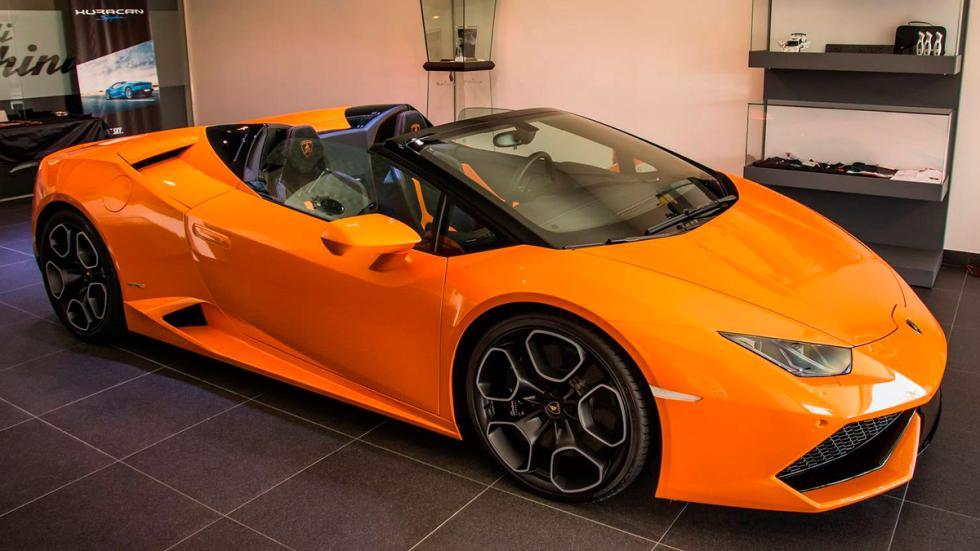 Lamborghini Huracán Spyder naranja perfil
