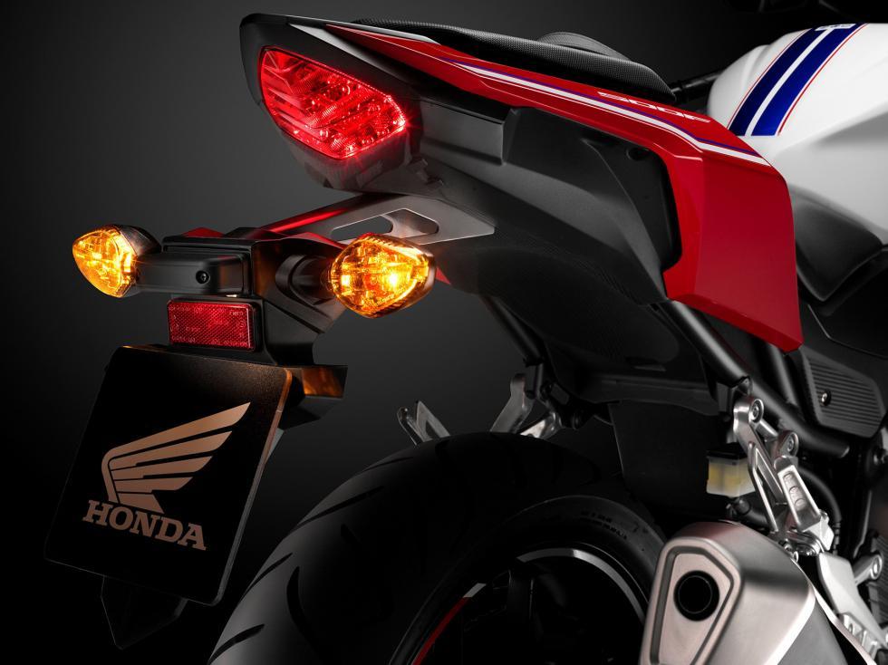 Honda-CB500F-22