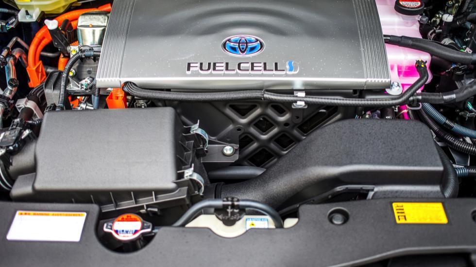 Toyota Mirai pila de combustible motor